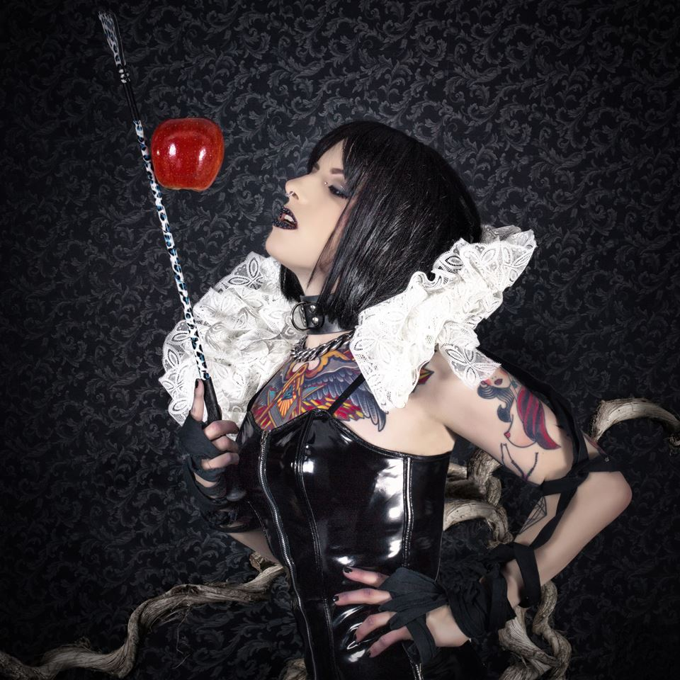 Ainé Atum Fetish Snow White Photo by Manuel Colombo
