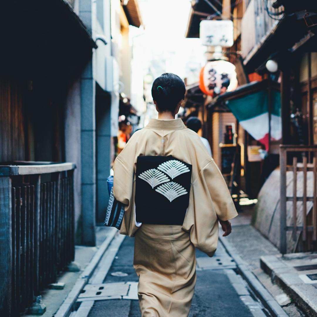 Everyday Street Photography by Takashi Yasui