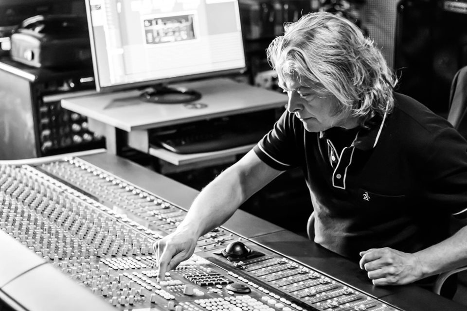 Max Norman stated - Just finished mixing Mean Streak new album - it really rocks!
